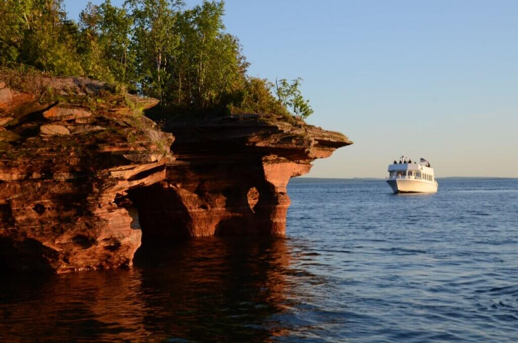 cruise and sea caves