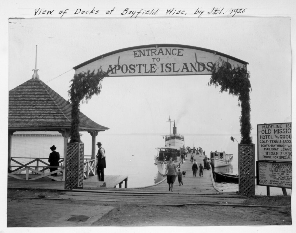 entrance of apostle islands