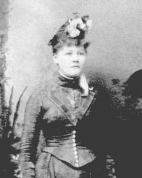 old headshot of Anna Carlson